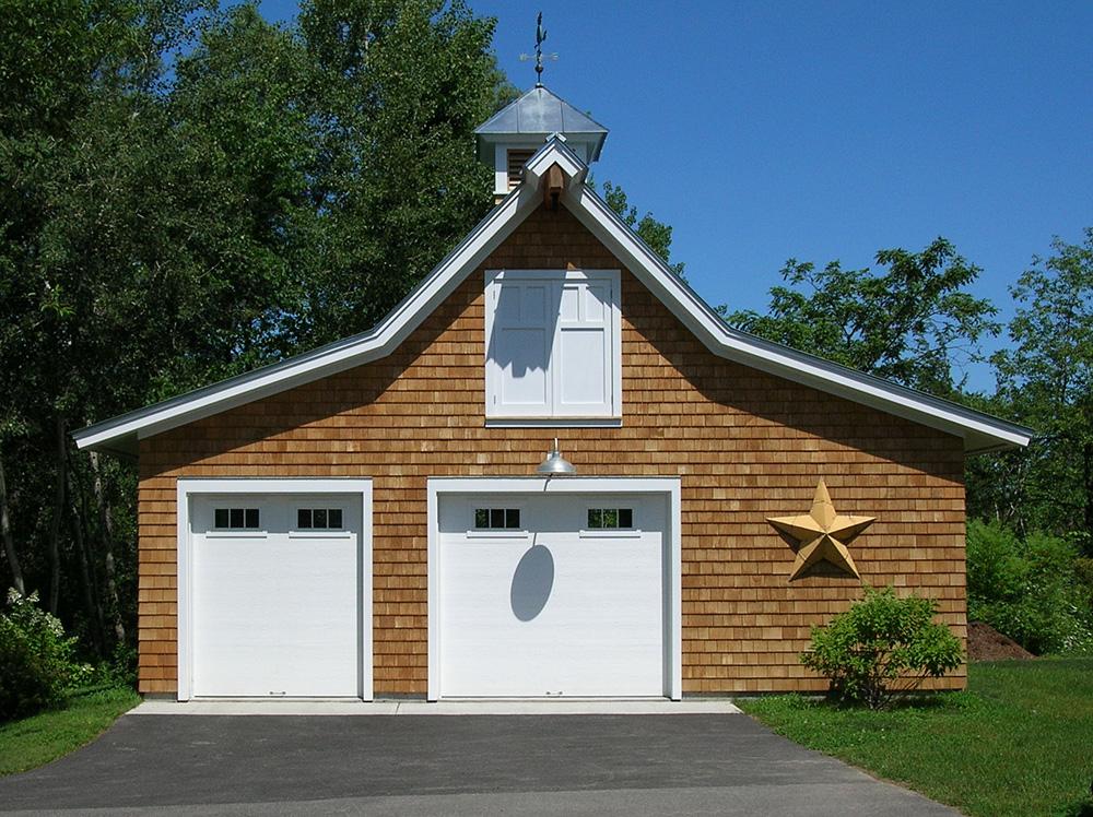 Custom home builder vermont m gale builders energy for Custom home garage